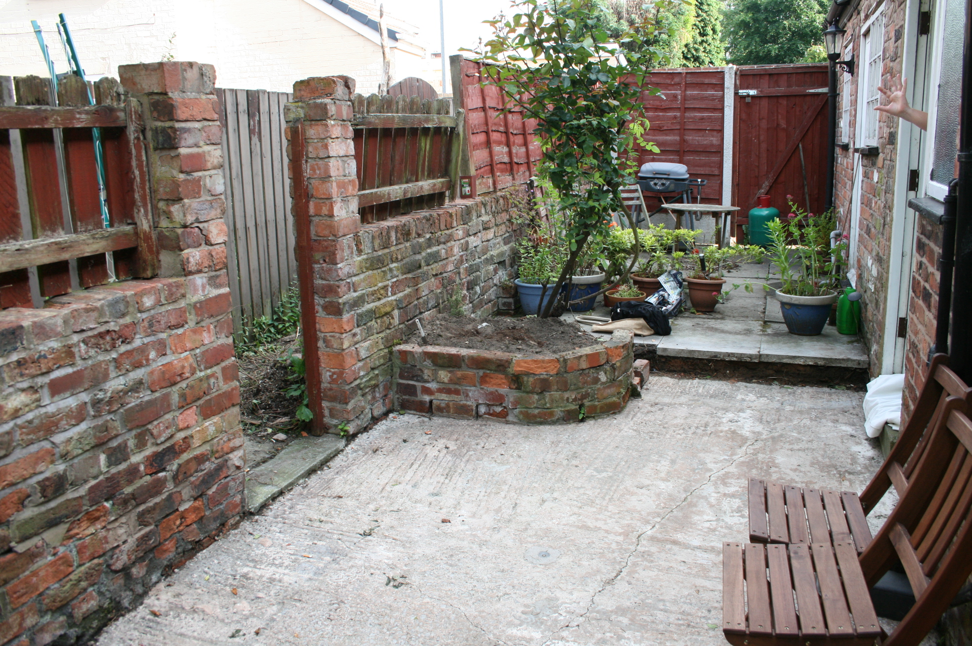 Shed Plan: The Small City Garden Makeover on Small Backyard Renovation Ideas id=60540