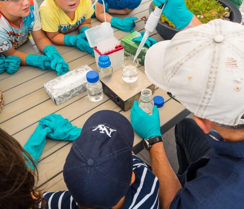Geburtstagsparty-für-Jungs-chemische-Versuche