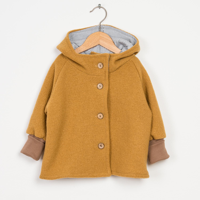 Herbst-Outfits-für-Kids-Wichteljacke-senfgelb