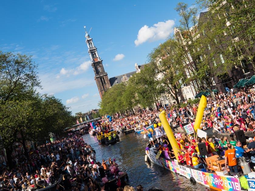 Amsterdam-mit-Kindern-Gay-Parade