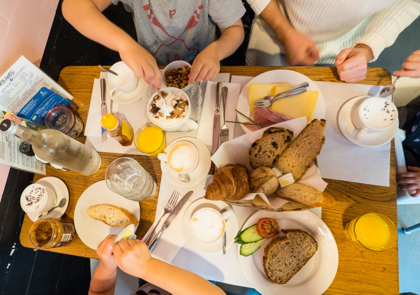Amsterdam-mit-Kindern-Frühstück