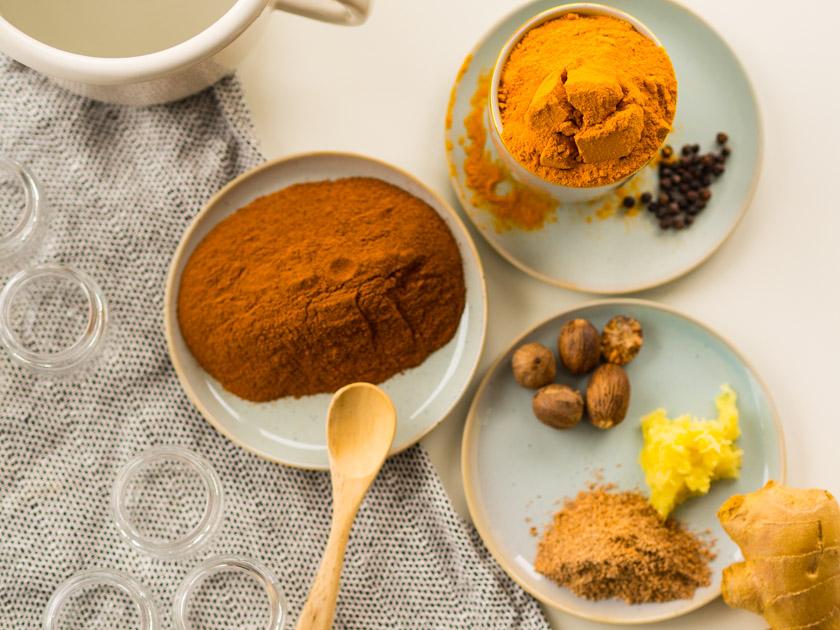 Goldene Milch Paste Gewürze & Zutaten
