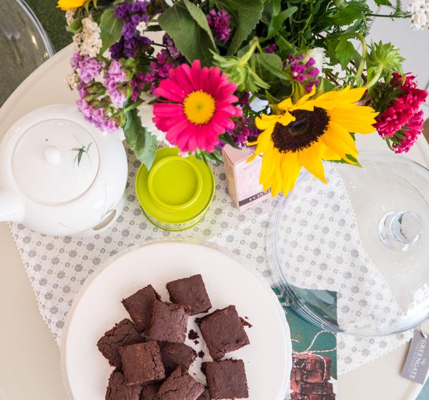 Working Mum Brownies und Blumen in Wagners Kulinarium