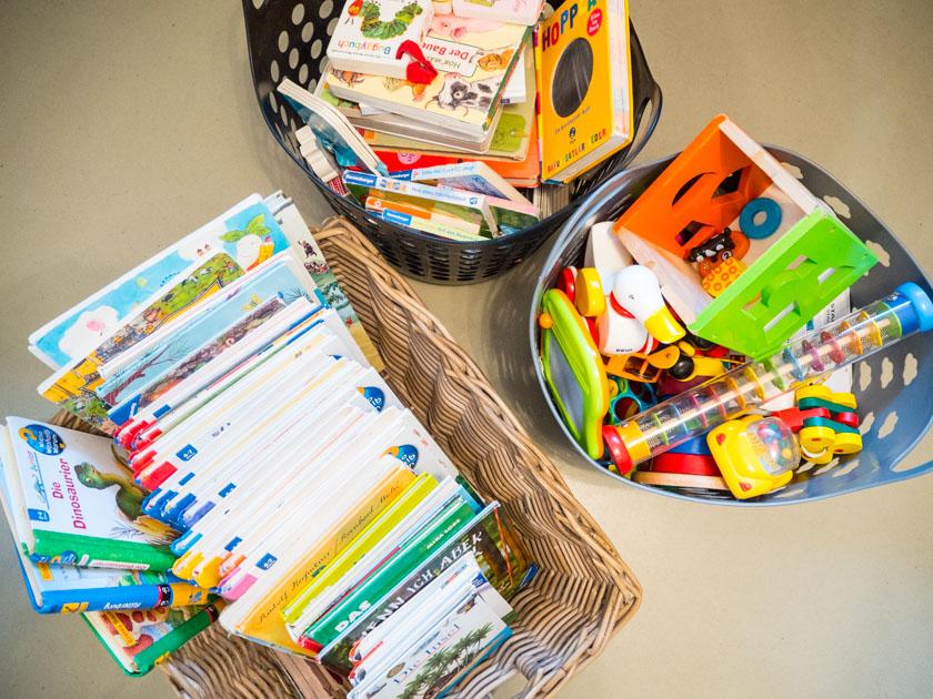 Ordnung im Kinderzimmer - Körbe mit Spielsachen