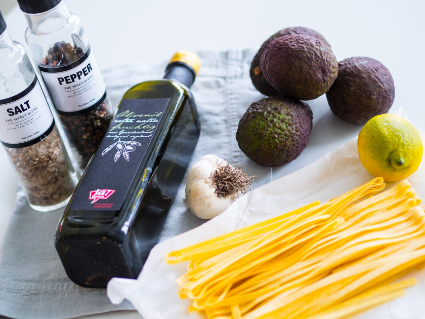 Tipps für Mamas und Kinder_Pasta mit Avocado Zutaten