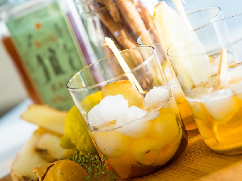 Tipps für Mamas und Kinder_Kale Ginger Beer Cocktail mit Zitrone