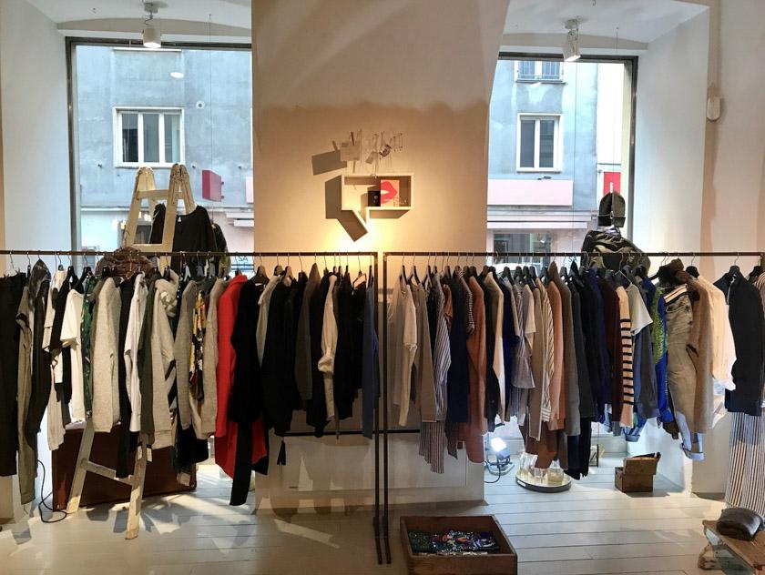 Wien Tipps für Mama und Kind_Kleiderzimmer Shop Kleiderstange