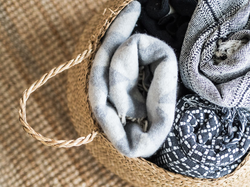Wohnideen mit Kindern_Korb mit Decken