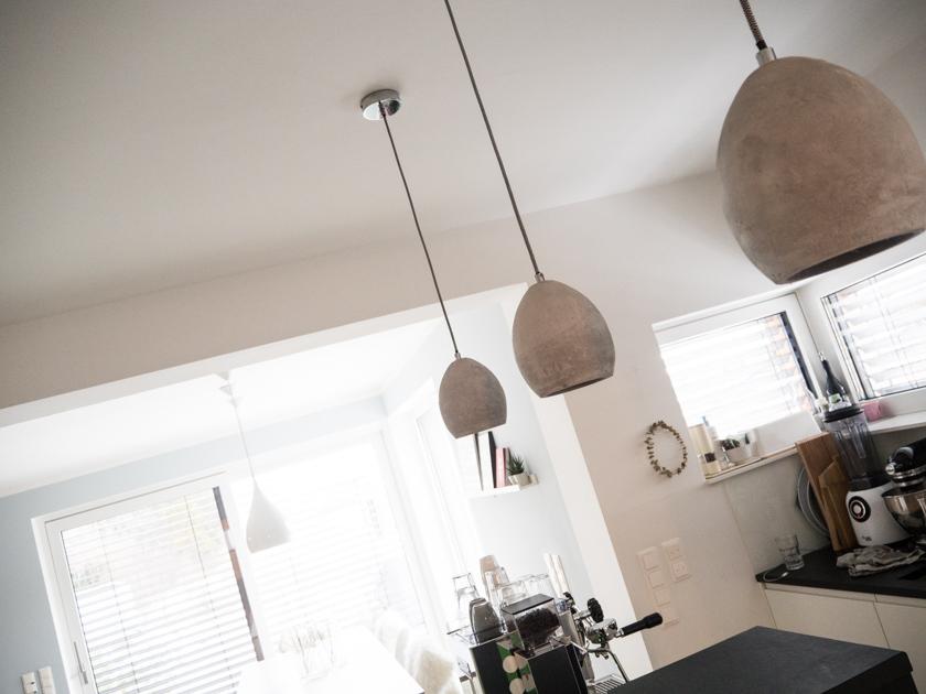 Wohnideen mit Kindern_Küchenblock mit Espressomaschine