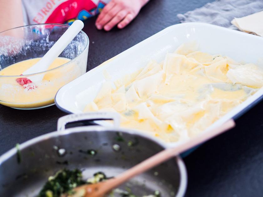 Börek Familienküche_Börek Auflauf schichten