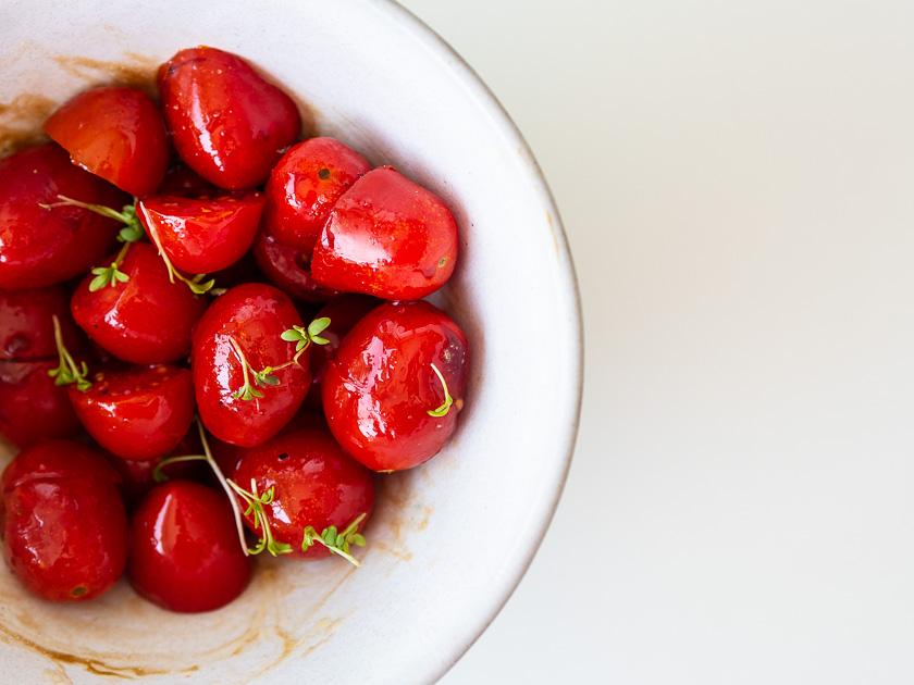 Rezept Gefüllte Zucchini Fritters_glasierte Tomaten