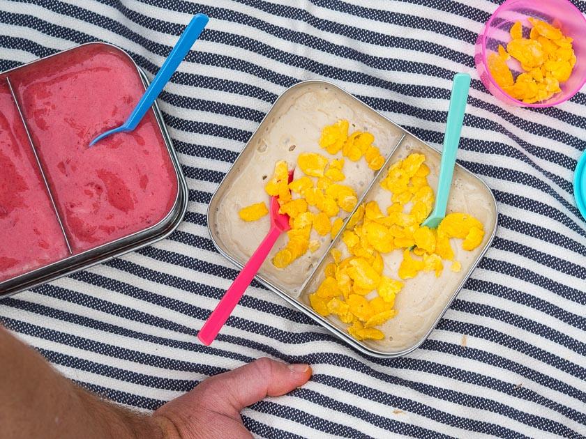 Sommerferien Bucket List_Nice Cream Erdbeere Nice Cream Crunchy Vanille