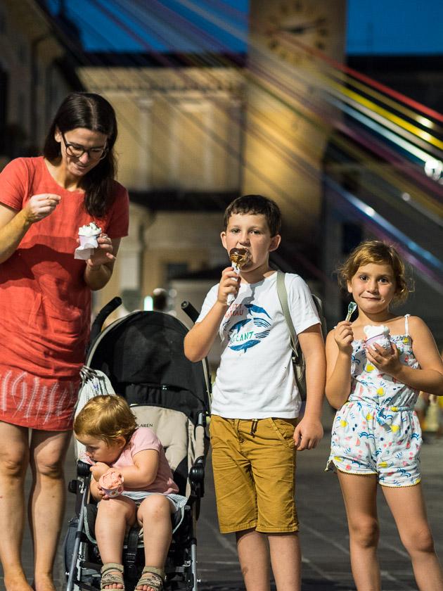 Urlaub am Gardasee mit Kindern_Eis essen