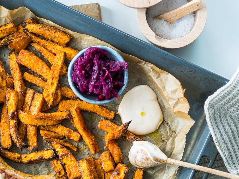 Süßkartoffel Frites mit veganer AQUAFABA Mayonnaise_Familienküche