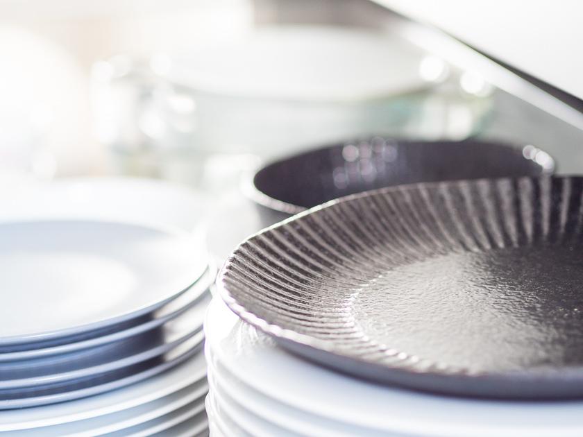 Küchenutensilien für Familien_Teller
