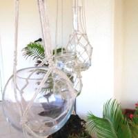 Chi ama appendere i vasi con questi decori fatti a macramè?