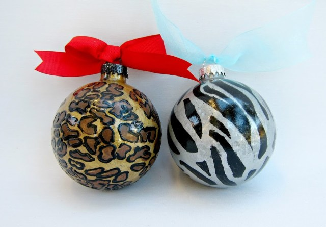 safari-print-ornaments