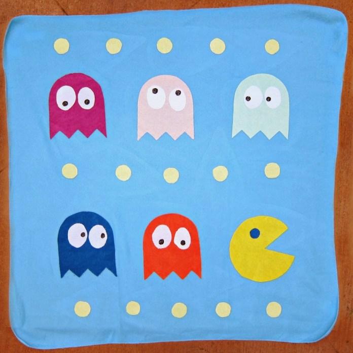 DIY-Retro-PacMan-Blanket
