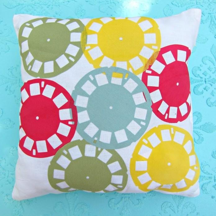 Vintage-picture-wheel-pillow