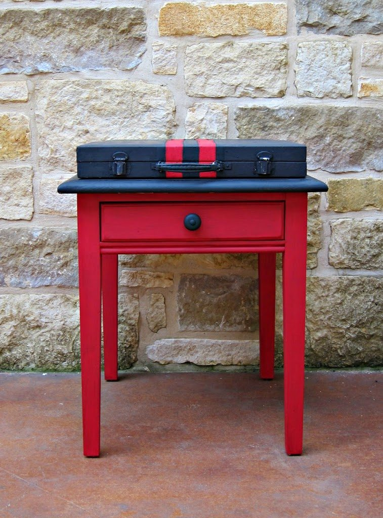 Gentil My Theme Is Retro Movies With A Red/black/white Color Scheme. I Recently  Ordered A New Black Couch, And I Made This Fun Side Table ...