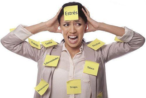 Imagen descriptiva con nombres de causas del dolor de cabeza
