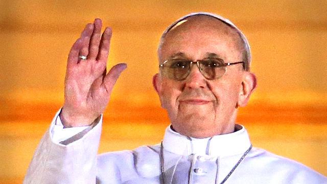 new_pope_gal_P11