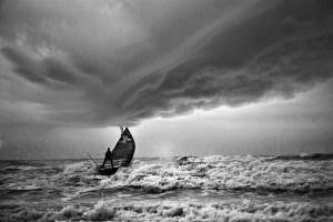 boat-storm2