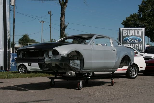 ford mustang goly