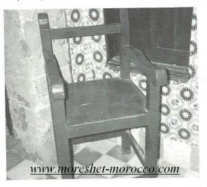 """זה הכסא, כסאו של רבי חיים פינטו זצ""""ל, השמור עד היום במוגאדור"""