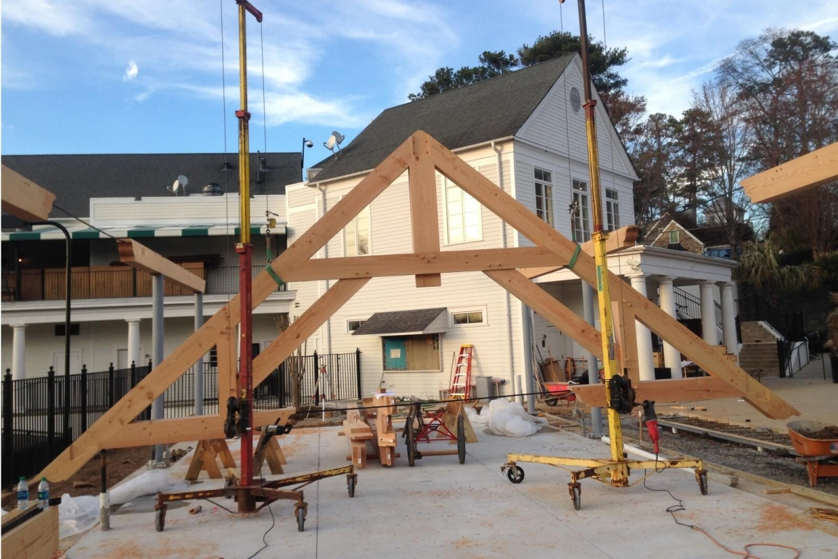 Timber Frame Trusses Create An Open And Dramatic Effect