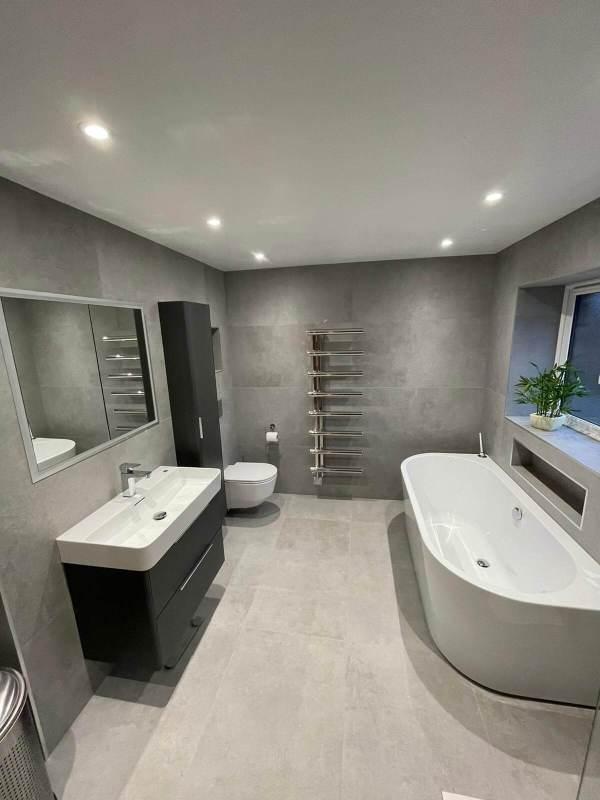 Sanderson – Main Bathroom