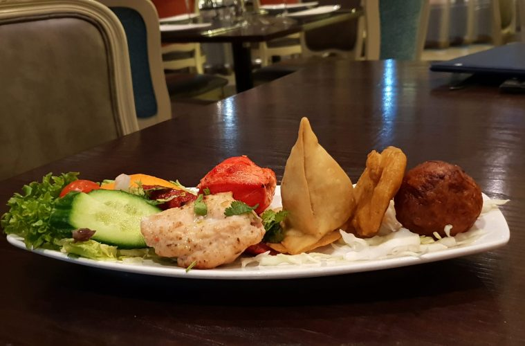 ghazal-indian-restaurant-starter-platter