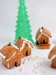 Mini gingerbread house by Severien Vits