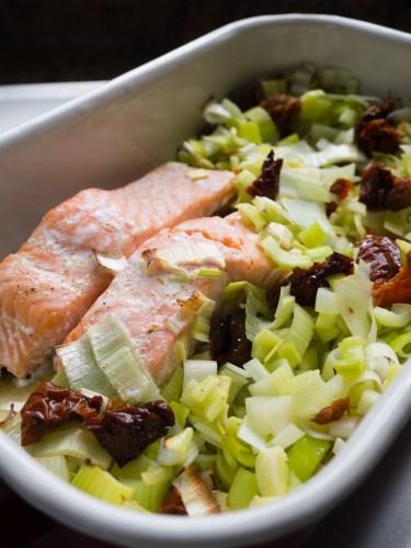One-tray recipe salmon and leek