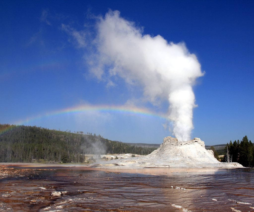 Yellowstone National Park Facts include the story of the Washburn Party which convinced America that it was a place filled with natural wonders.