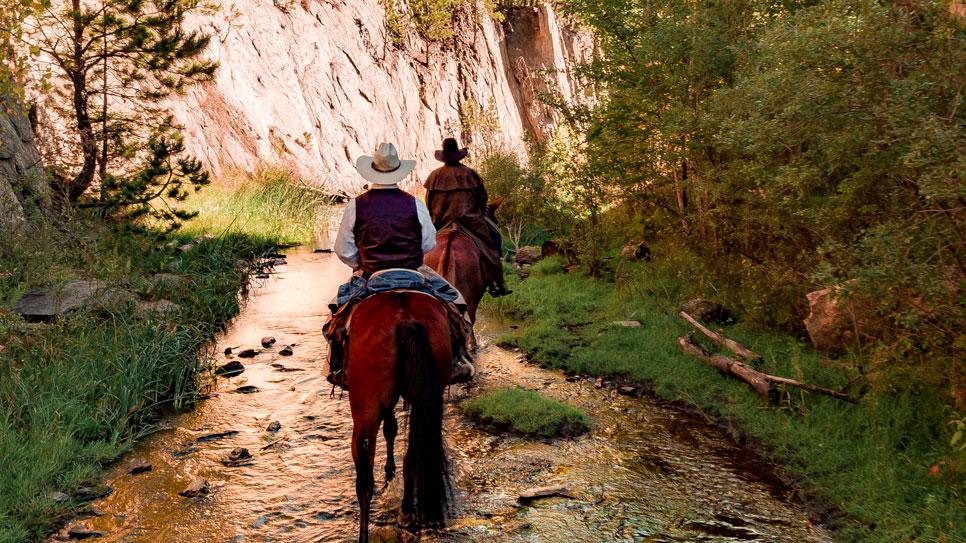 horseback riding black hills national forest south dakota
