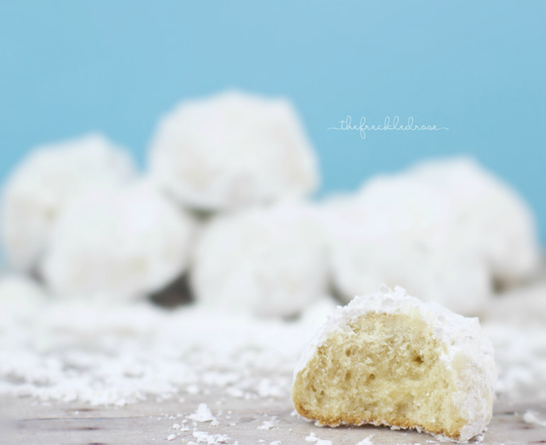 Powdery Bits of Snow ~ Snowball Cookies