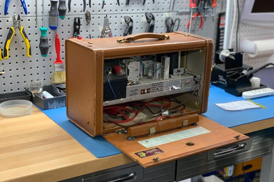vintage radio repair