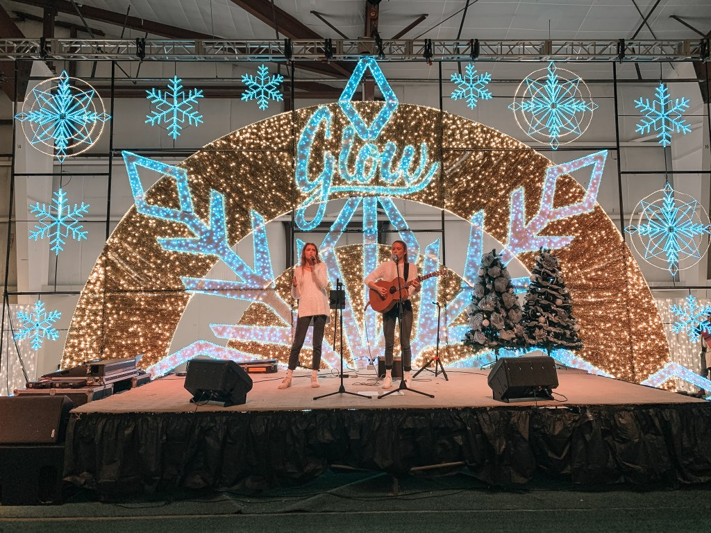 Live entertainment at Christmas Glow 2019