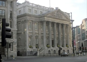 08 - The Mansion House