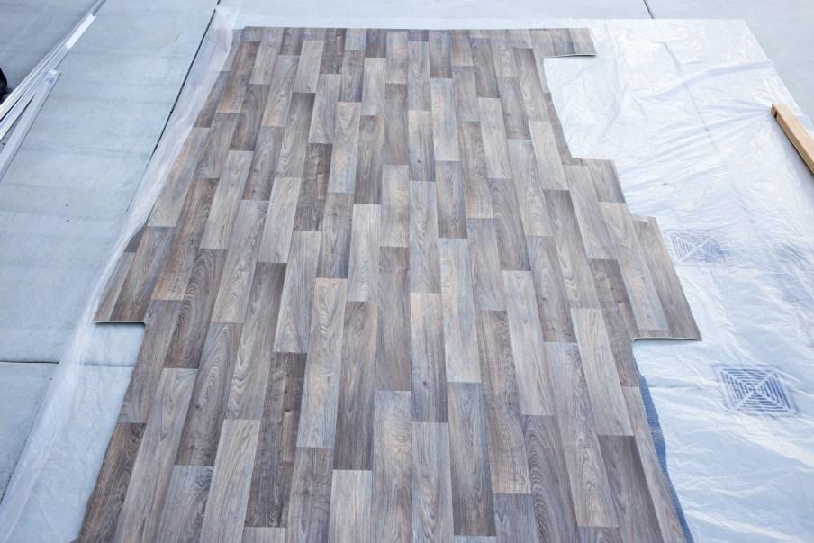 Rough cut of the vinyl floor