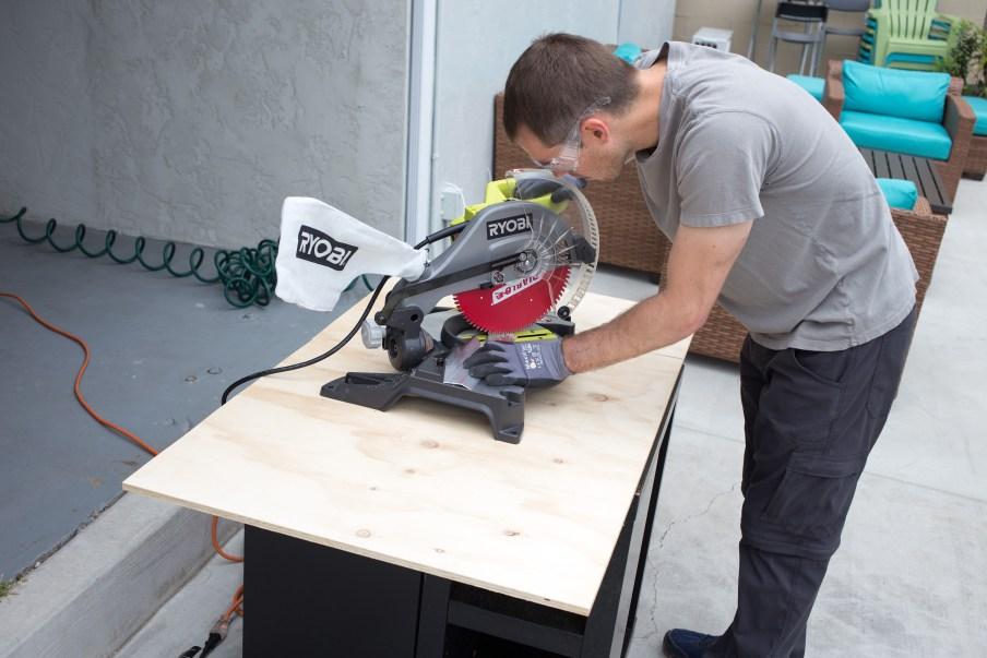 Cutting metal trim