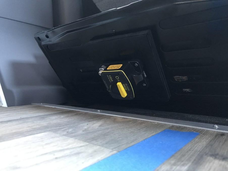 Driver seat pedestal