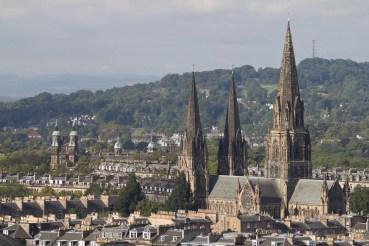La cathédrale de Sainte Marie surgit au dessus des toits