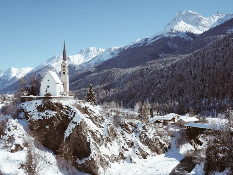 Scuol Engadine Suisse église
