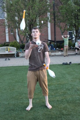 Aaron Simpson juggling. Taken by Kaitlin Davis