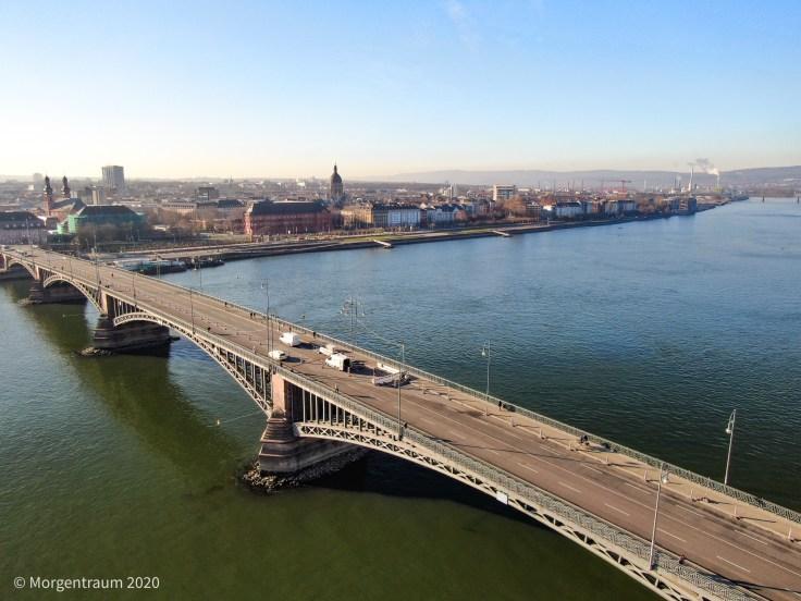 Theodor-Heuss-Brücke gesperrt