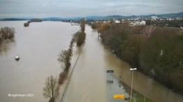 B42 überflutet