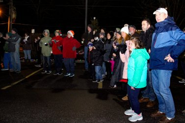 crowd at 2018 Moriches Chamber tree lighting