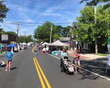 2019 Spring Fair - happy shoppers
